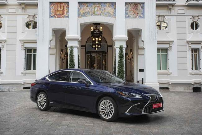 Lexus ES 300h : une version Business Plus