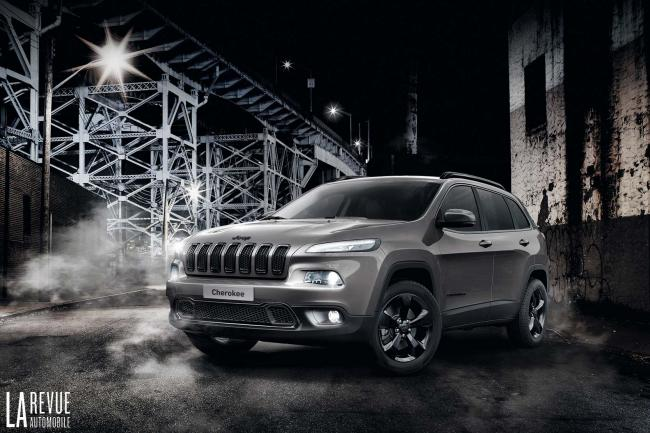 Jeep renegade et cherokee night eagle