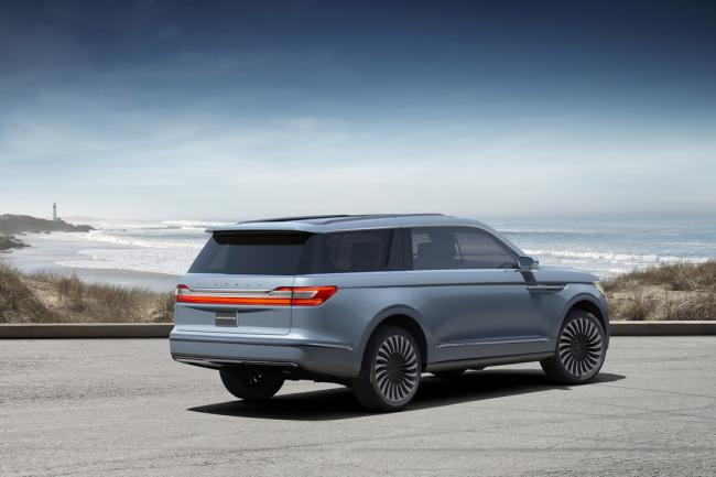 Lincoln navigator concept la surprise de new york