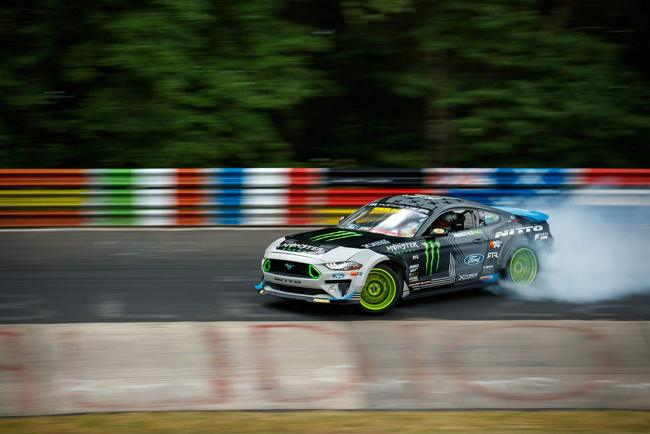 Ford mustang rtr un drift record sur le nurburgring
