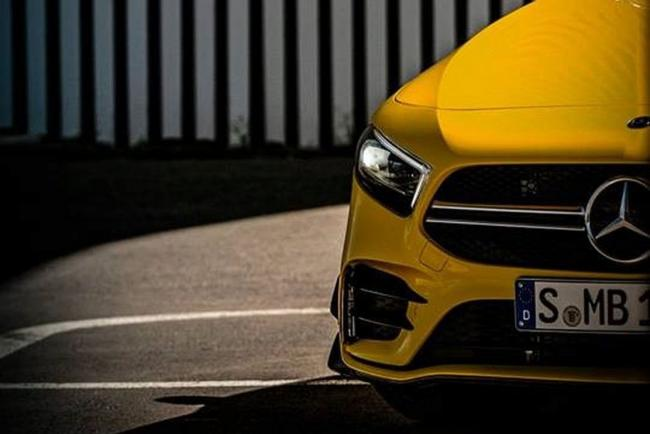 La Mercedes AMG A 35 sort doucement de l'ombre
