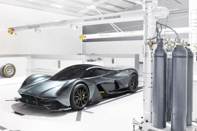 Aston martin am rb 001 un v12 cosworth