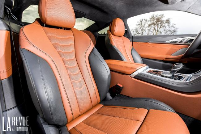 Interieur_aston-martin-v8-vantage-2018-vs-bmw-m850i-xdrive_0