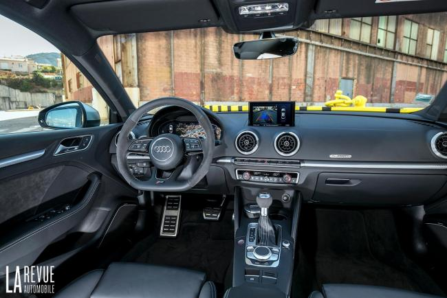 Interieur_Audi-RS3-Sedan-2017_34