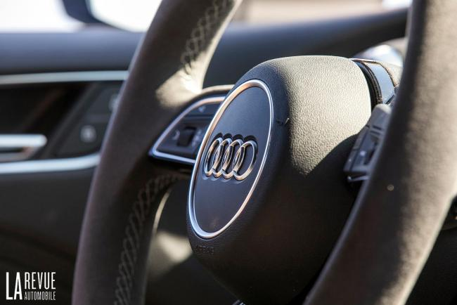 Interieur_Audi-RS3-Sedan-2017_30