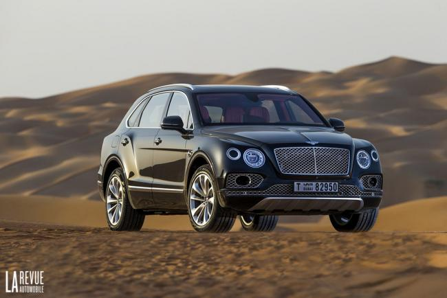 Exterieur_Bentley-Bentayga-Falconry_10