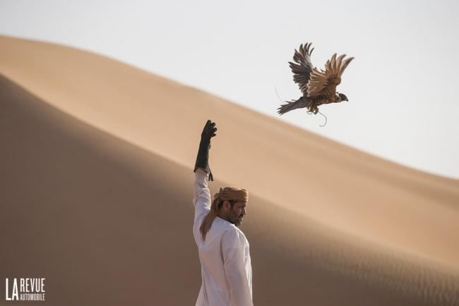 Exterieur_Bentley-Bentayga-Falconry_0