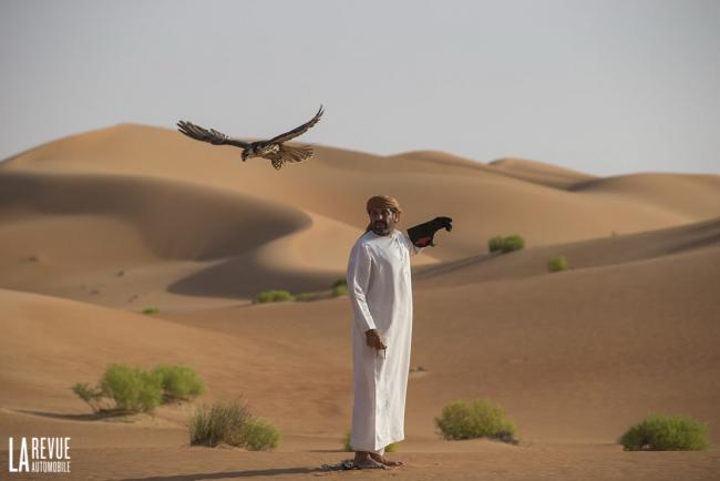 Exterieur_Bentley-Bentayga-Falconry_2