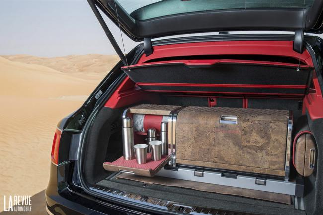 Interieur_Bentley-Bentayga-Falconry_33
