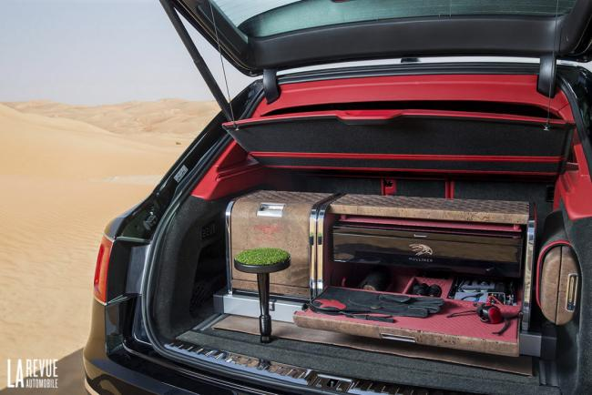 Interieur_Bentley-Bentayga-Falconry_32