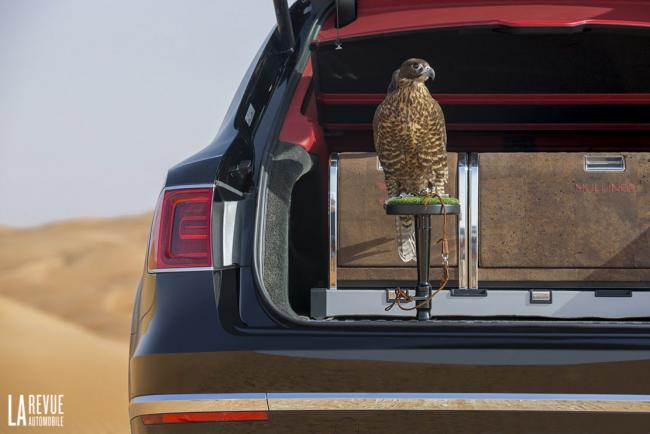 Interieur_Bentley-Bentayga-Falconry_17
