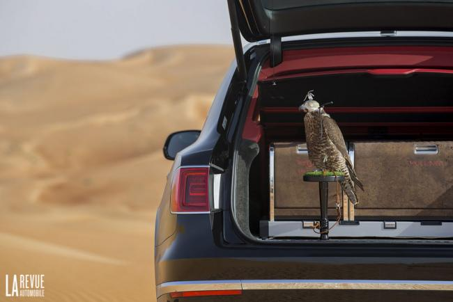 Interieur_Bentley-Bentayga-Falconry_28