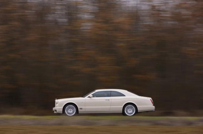 Exterieur_Bentley-Brooklands_11
