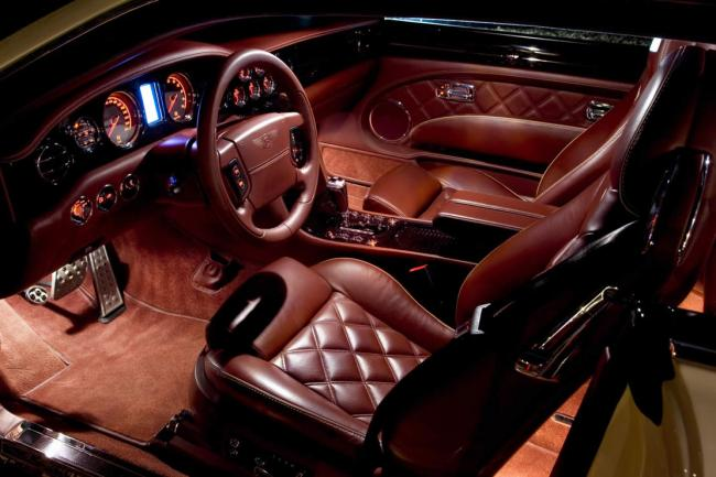 Interieur_Bentley-Brooklands_58