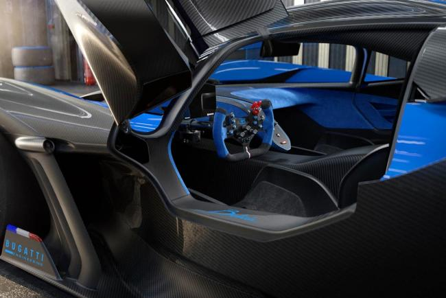 Interieur_bugatti-bolide-reveal_0