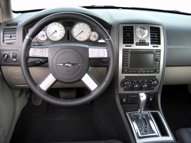 Interieur_Chrysler-300C_57