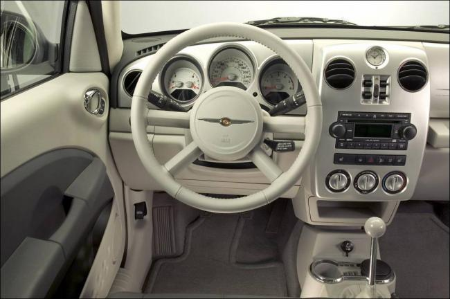 Interieur_Chrysler-Pt-Cruiser_22