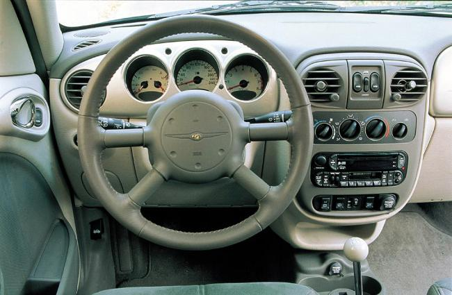 Interieur_Chrysler-Pt-Cruiser_26
