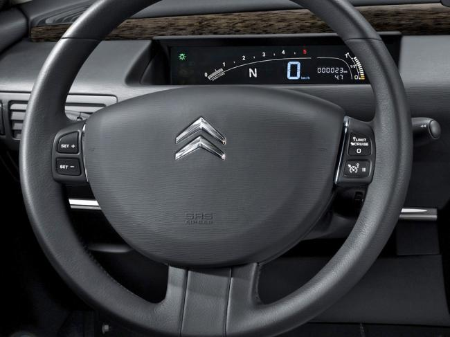 Interieur_Citroen-C6_52