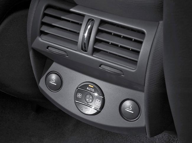 Interieur_Citroen-C6_38