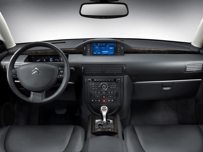 Interieur_Citroen-C6_48