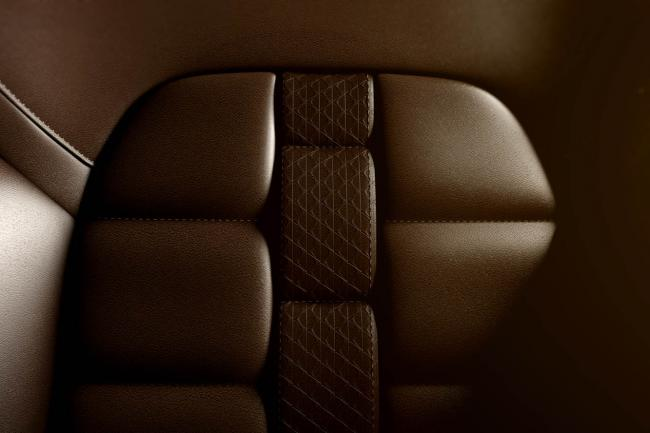 Interieur_Citroen-DS5-White-Pearl_17