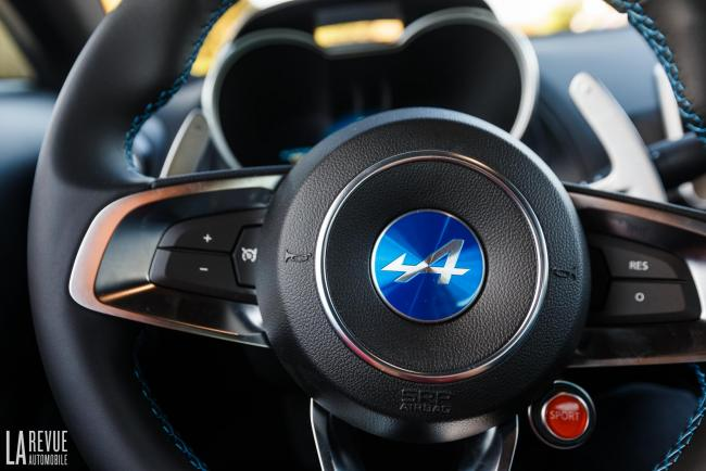 Interieur_Comparatif-Alpine-A110-VS-Ford-Mustang_27