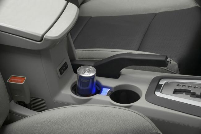 Interieur_Dodge-Avenger_26
