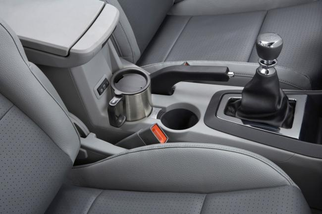 Interieur_Dodge-Avenger_29
