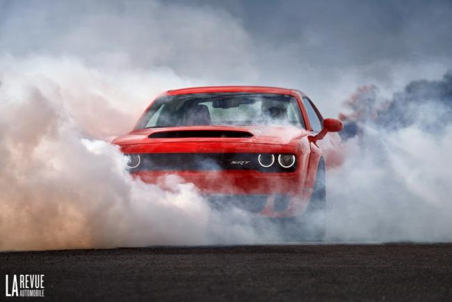 Dodge challenger demon gardee secrete meme en interne