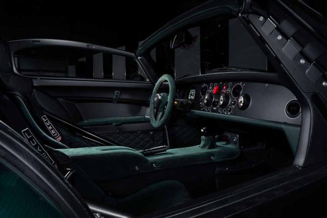 Interieur_donkervoort-d8-gto-jd70-bare-naked-carbon-edition-l-art-rencontre-la-legerete_0