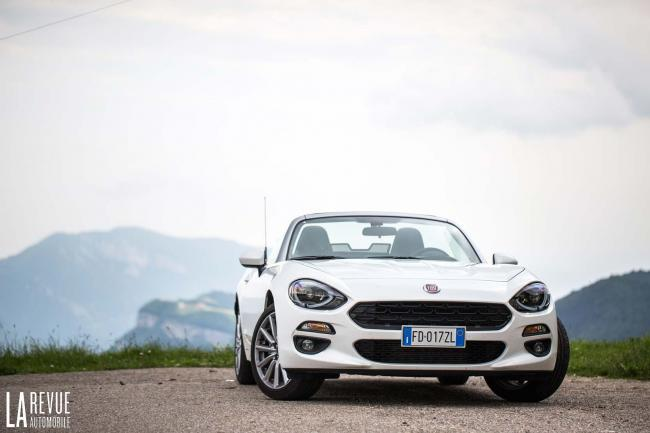 Fiat 124 spider voiture gay de l annee
