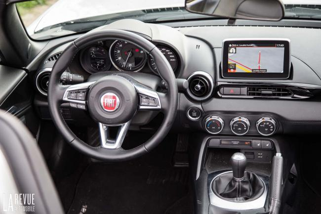 Interieur_Fiat-124-Spider-2016_33