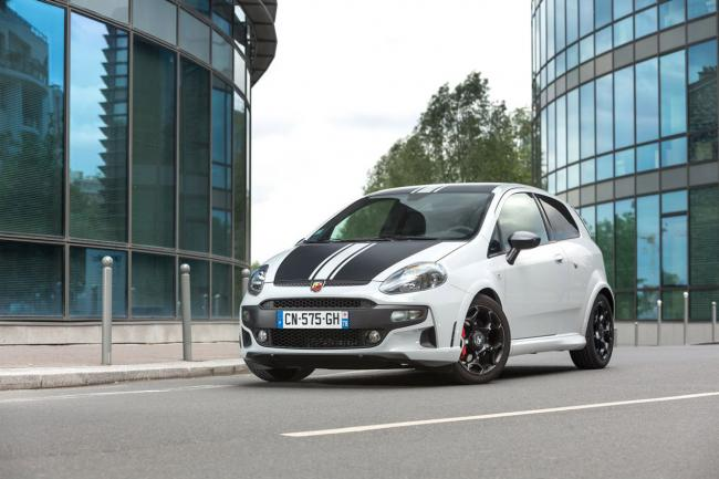 Exterieur_Fiat-Punto-Abarth-SuperSport_0