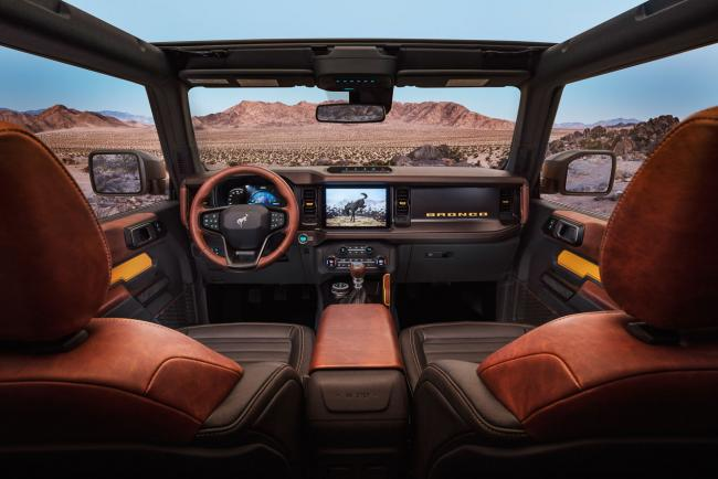 Interieur_ford-bronco-2021_0