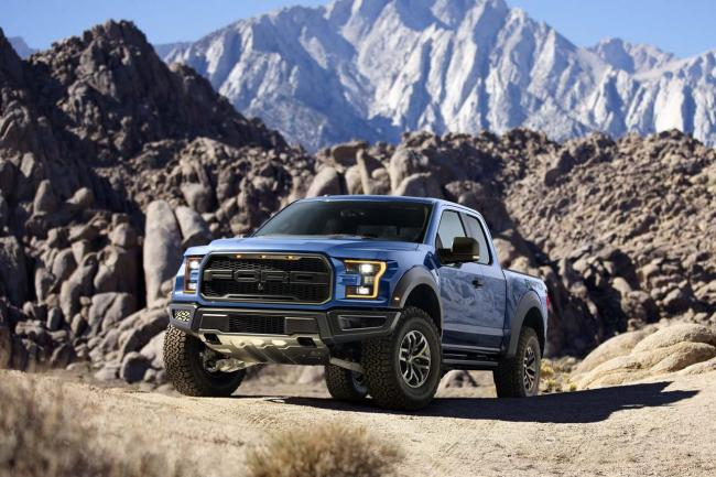 Exterieur_Ford-F150-Raptor-2015_3