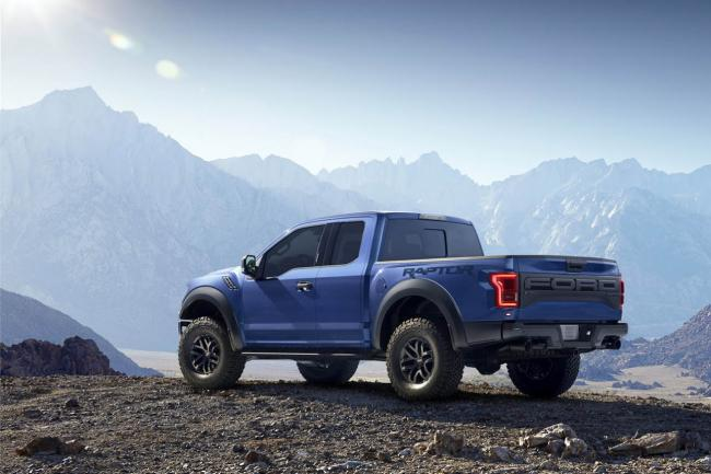 Exterieur_Ford-F150-Raptor-2015_8