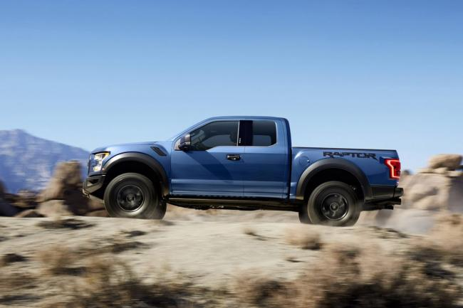Exterieur_Ford-F150-Raptor-2015_1