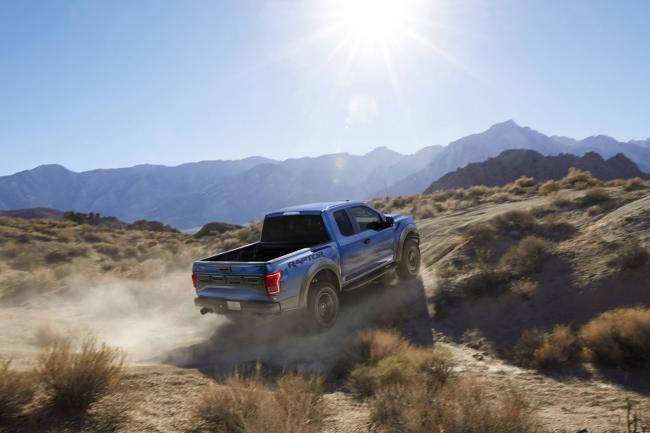 Exterieur_Ford-F150-Raptor-2015_2