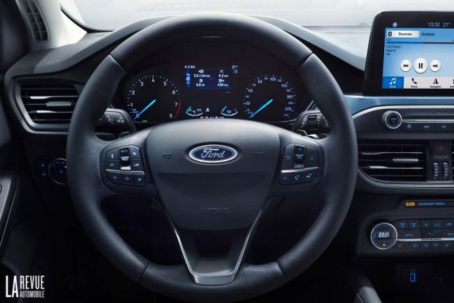 Interieur_Ford-Focus-Active-2018_27