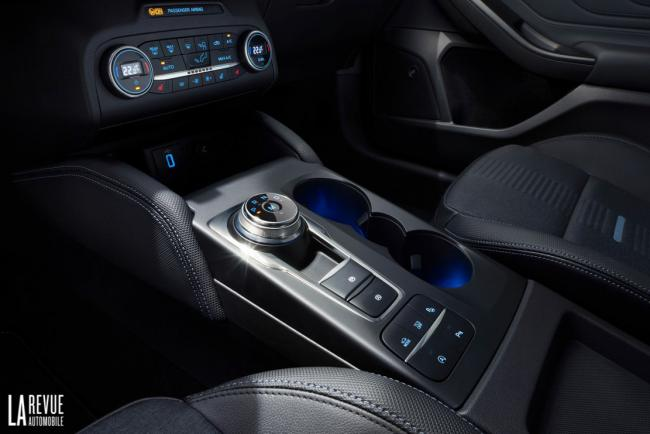 Interieur_Ford-Focus-Active-2018_24