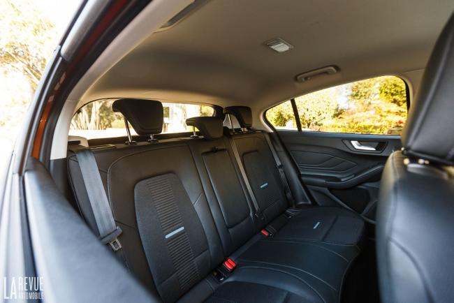 Interieur_ford-focus-active_11