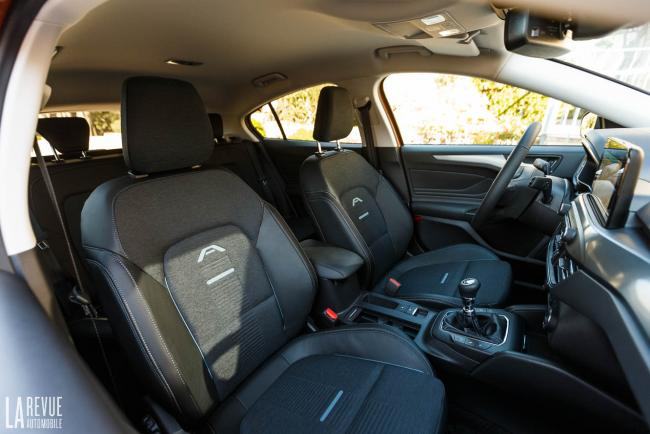 Interieur_ford-focus-active_2