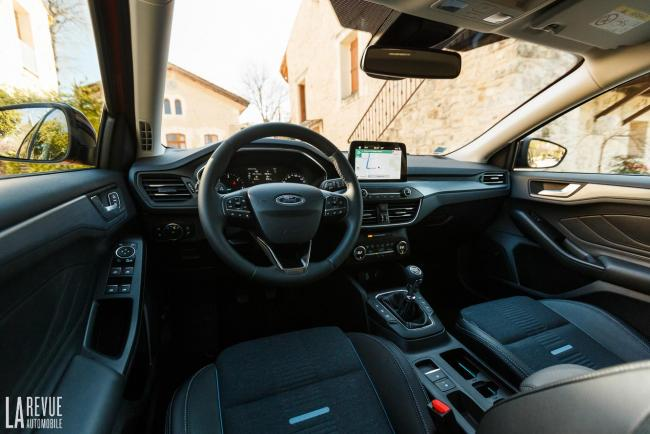 Interieur_ford-focus-active_3