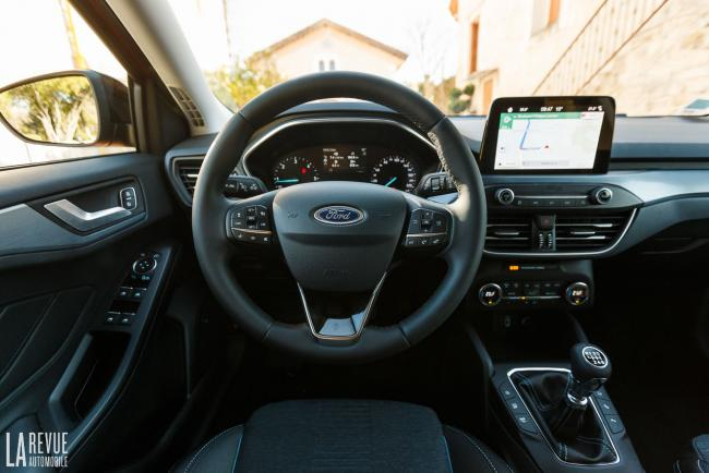 Interieur_ford-focus-active_4