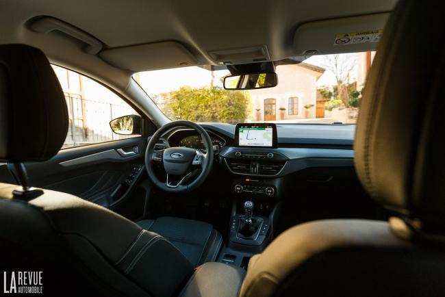 Interieur_ford-focus-active_6