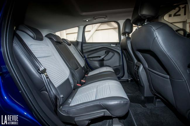 Interieur_Ford-Kuga-2017_15