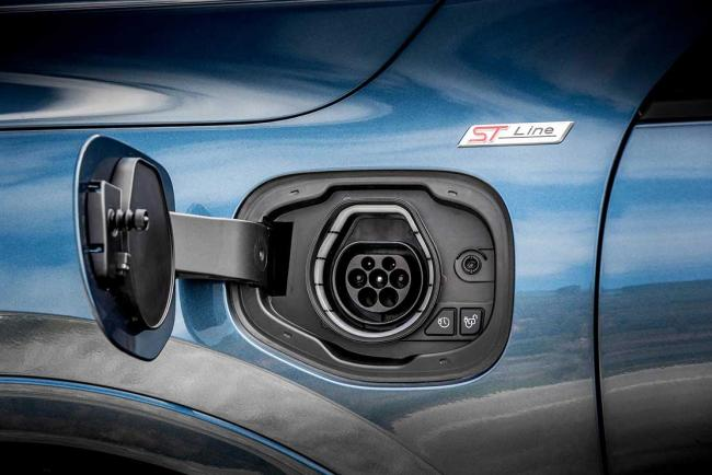 Exterieur_ford-kuga-phev-l-essai-du-suv-hybride-rechargeable-yankee_7