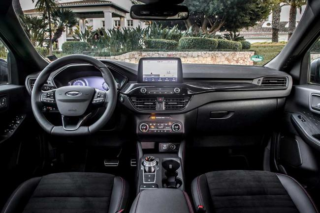 Interieur_ford-kuga-phev-l-essai-du-suv-hybride-rechargeable-yankee_0