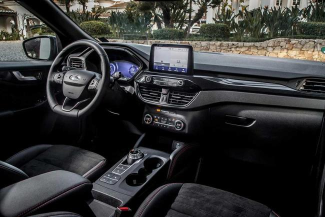 Interieur_ford-kuga-phev-l-essai-du-suv-hybride-rechargeable-yankee_1